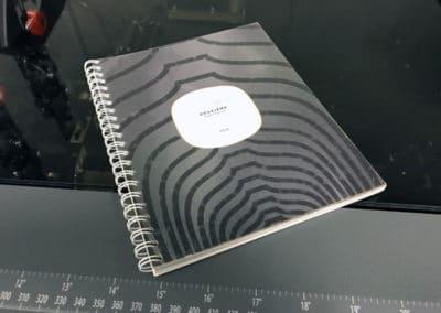 Impression de brochure reliure métallique