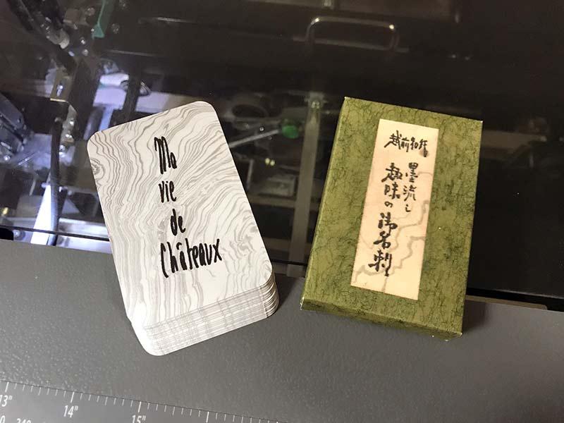 Etui et jeu de cartes personnalisé